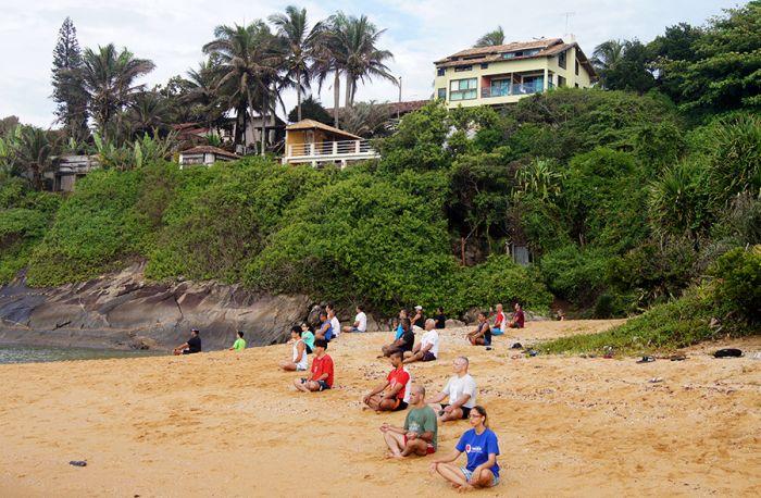 Sessão de YOGA da praia da pousada